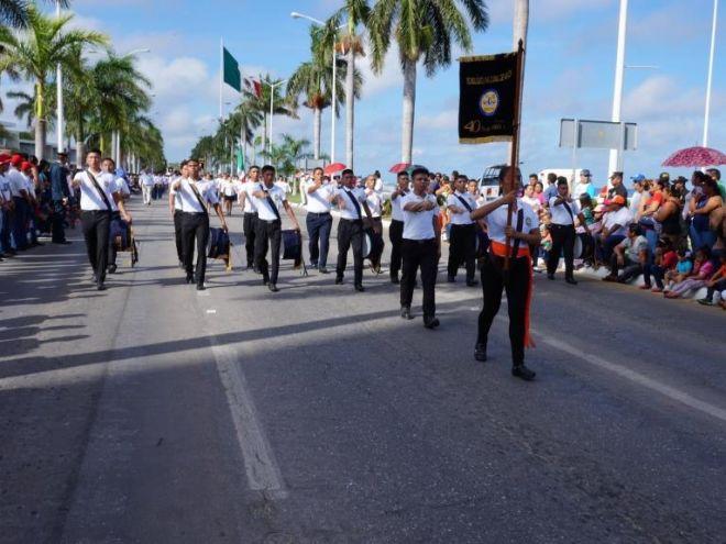 Banda de guerra del ITC en el desfile conmemorativo del Inicio de la Independencia de México, septiembre 2016.