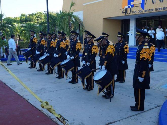 Banda de guerra del ITC en el Homenaje del 40 Aniversario del Tecnológico de Campeche, octubre 2016.